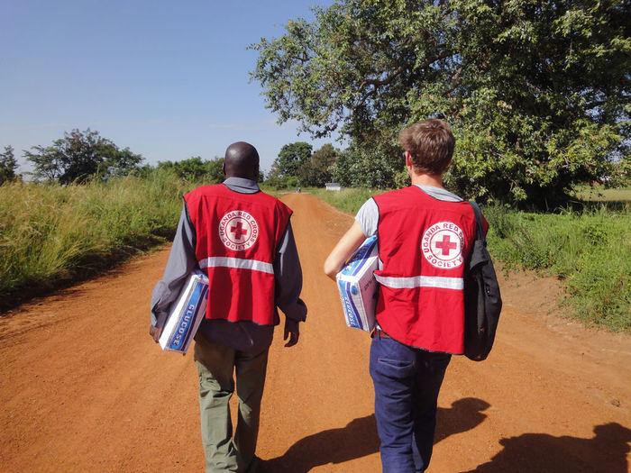 Unterstütze die Arbeit des Roten Kreuzes zum Beispiel in Namibia, Tansania oder Uganda.
